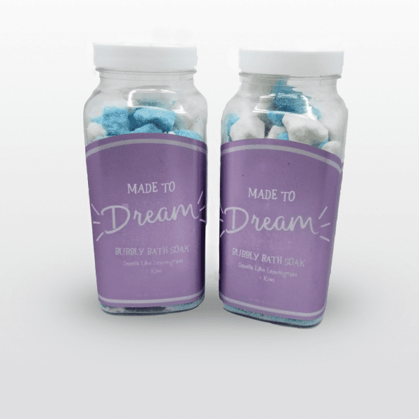 Made To Dream Bubbly Bath Soak moisturizes and hydrates skin while lemongrass and kiwi fragrances soothe the mind. 9 oz.