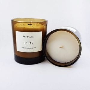 Invigorating and energizing, the Invigorate Aromatherapy candle helps you jump start your morning. Size: 10 oz; burn time: 60 hours